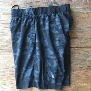LuLu lemon THE full liner Camo shorts